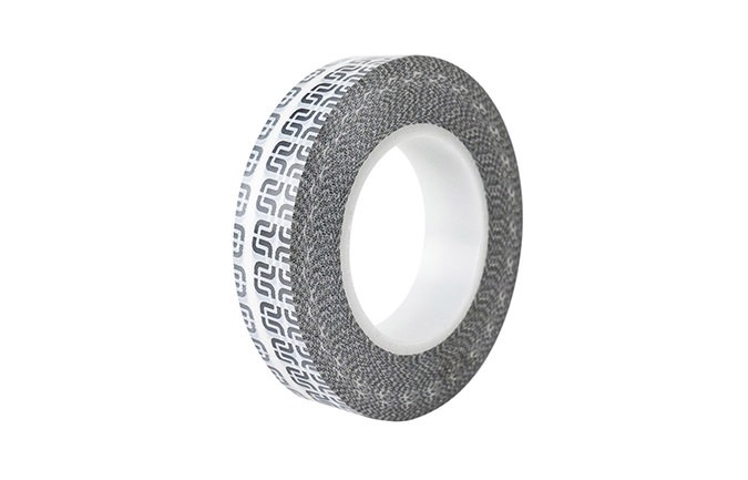ROULEAU DE SCOTCH E13 TUBELESS 40MM